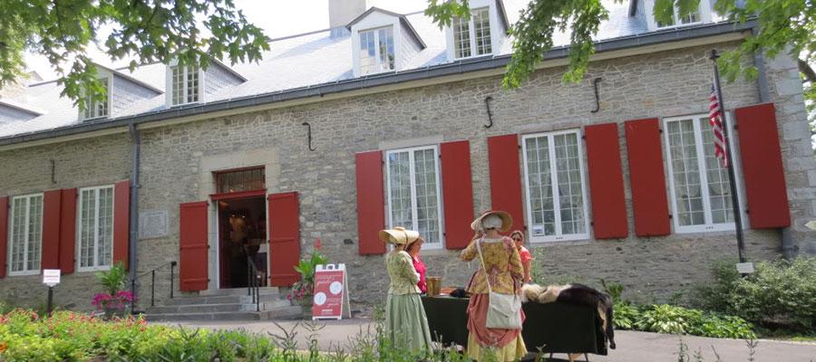 chateau-ramezay-main