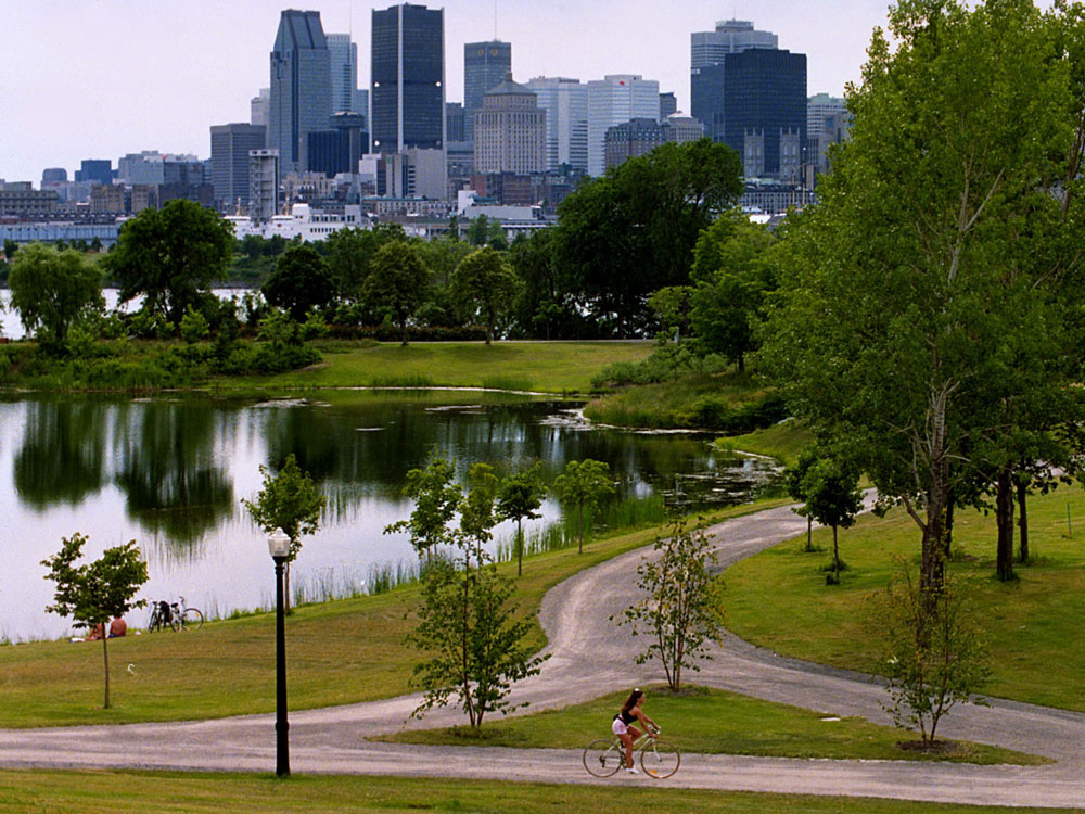 montreal-biking-in-park