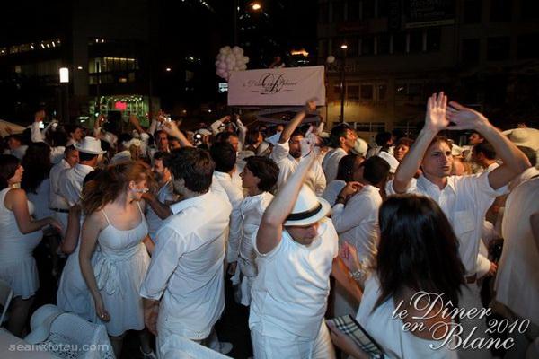 Montreal's Dîner en Blanc