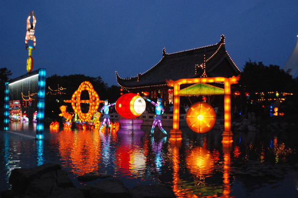 montreal-magic-of-lanterns