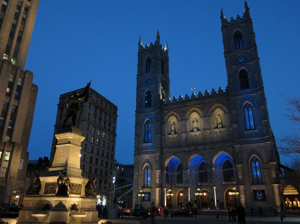 montreal-notre_dame_cathedral_and_place_de_armes_in_old_montreal