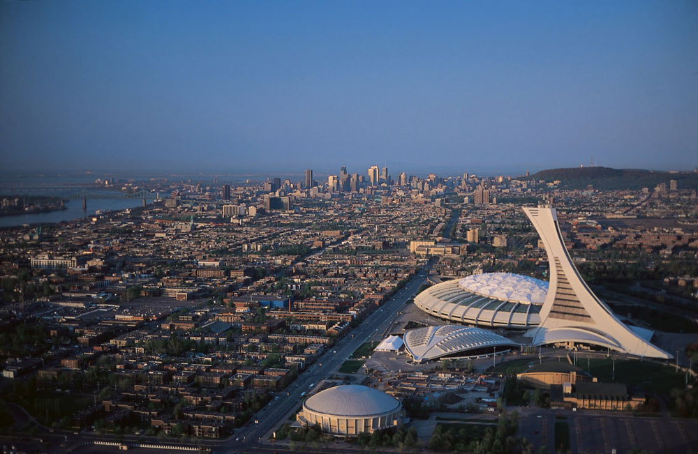 montreal-olympic-stadium-montreal-skyline