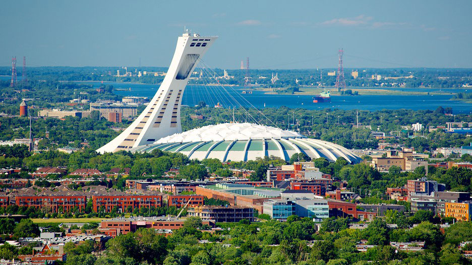 montreal-olympic-stadium-skyline