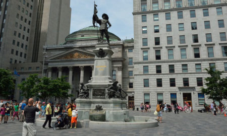 montreal-place-darmes-main