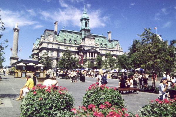 Old Montreal Place Jaques Cartier