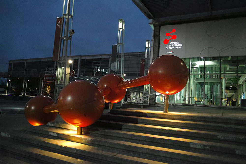 montreal-science-center-balls
