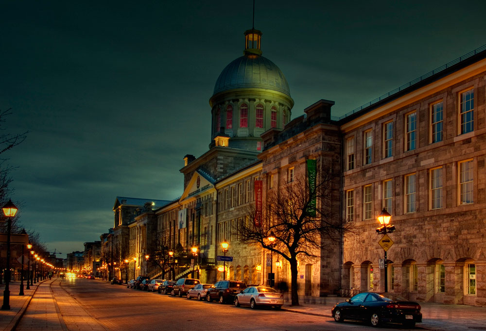old-montreal-bonsecours-market-night