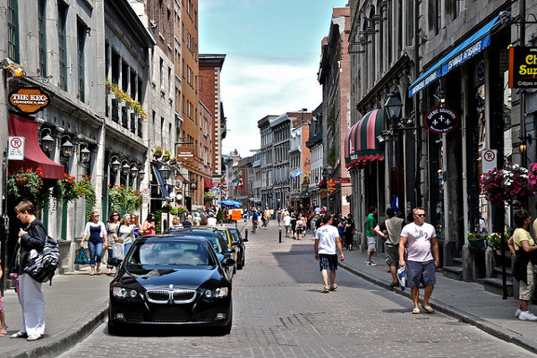 shopping-in-old-montreal